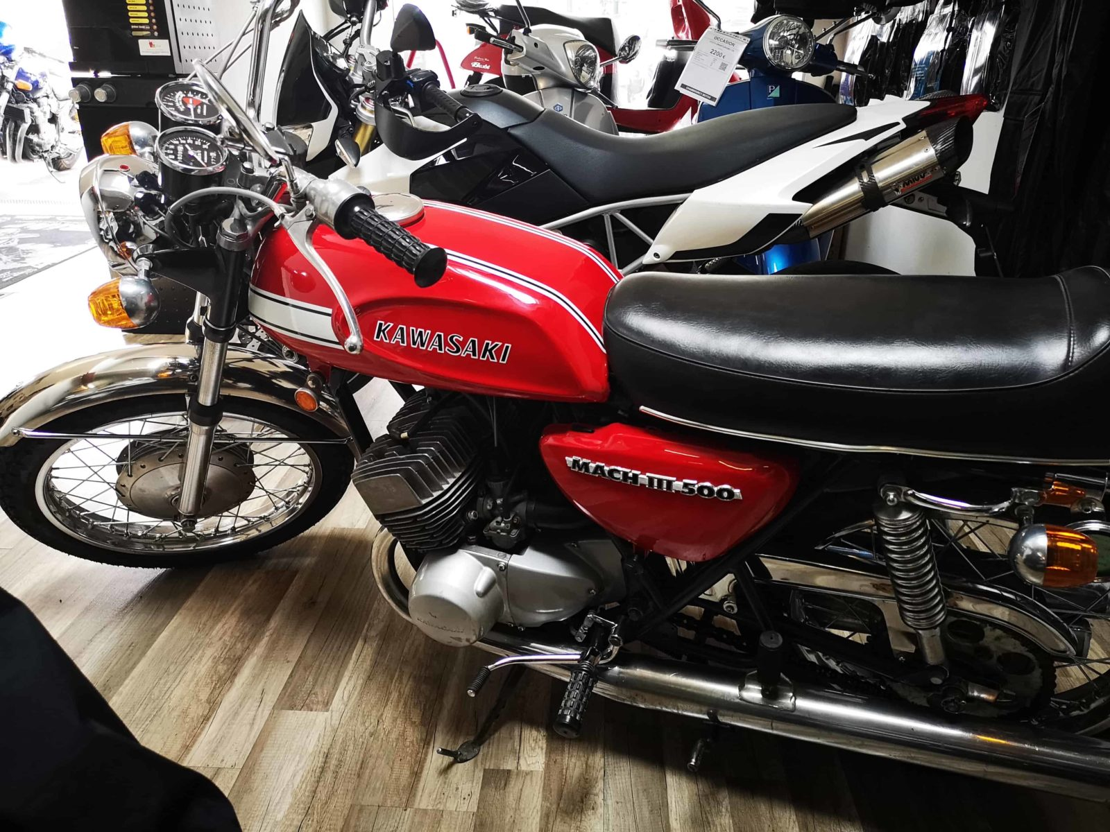 Kawasaki H1 mach 3 - Chambourcy Motos
