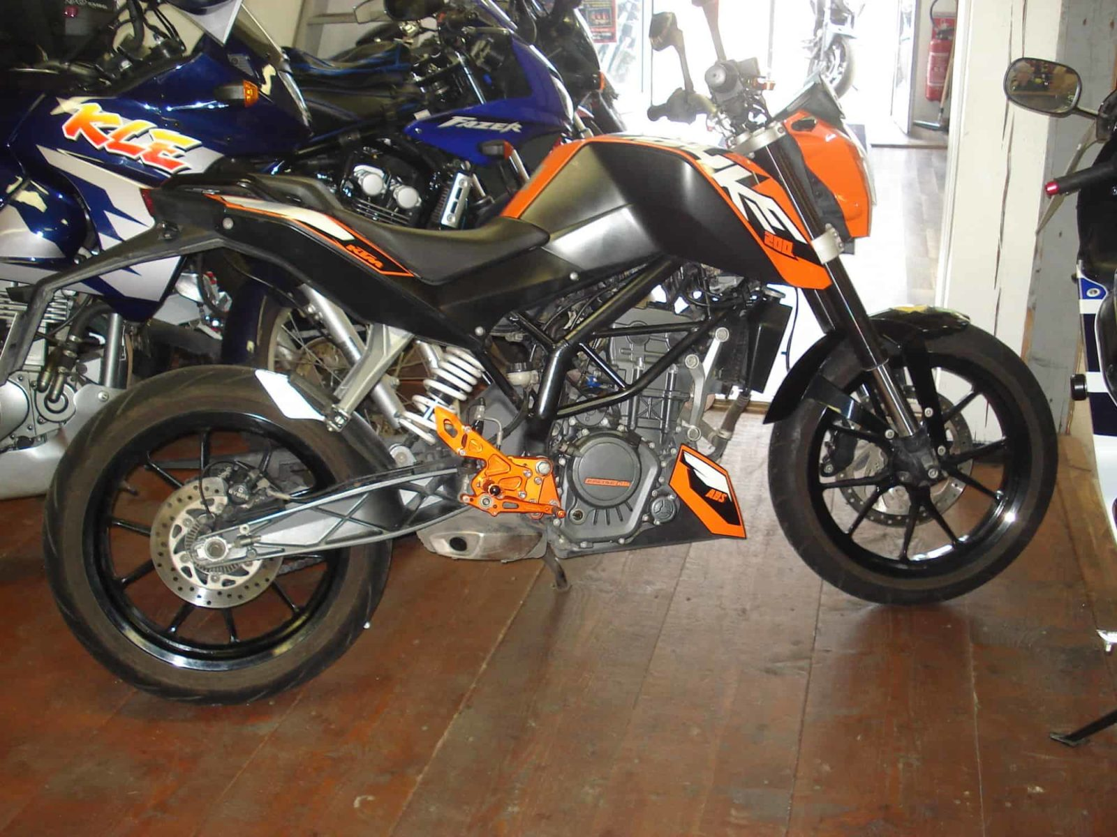 Vendu ! KTM 200 DUKE – 2800€