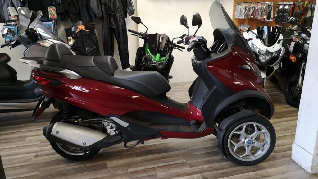 Piaggio MP3 300 ie ABS – 6300€