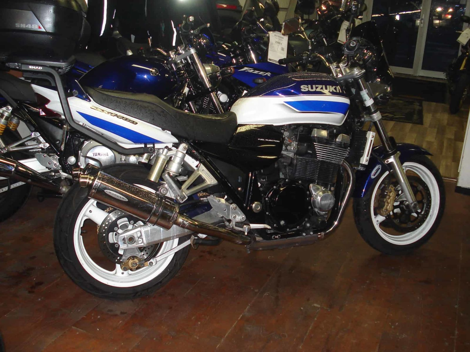 Vendu ! Suzuki GSX 1400 – 3700€