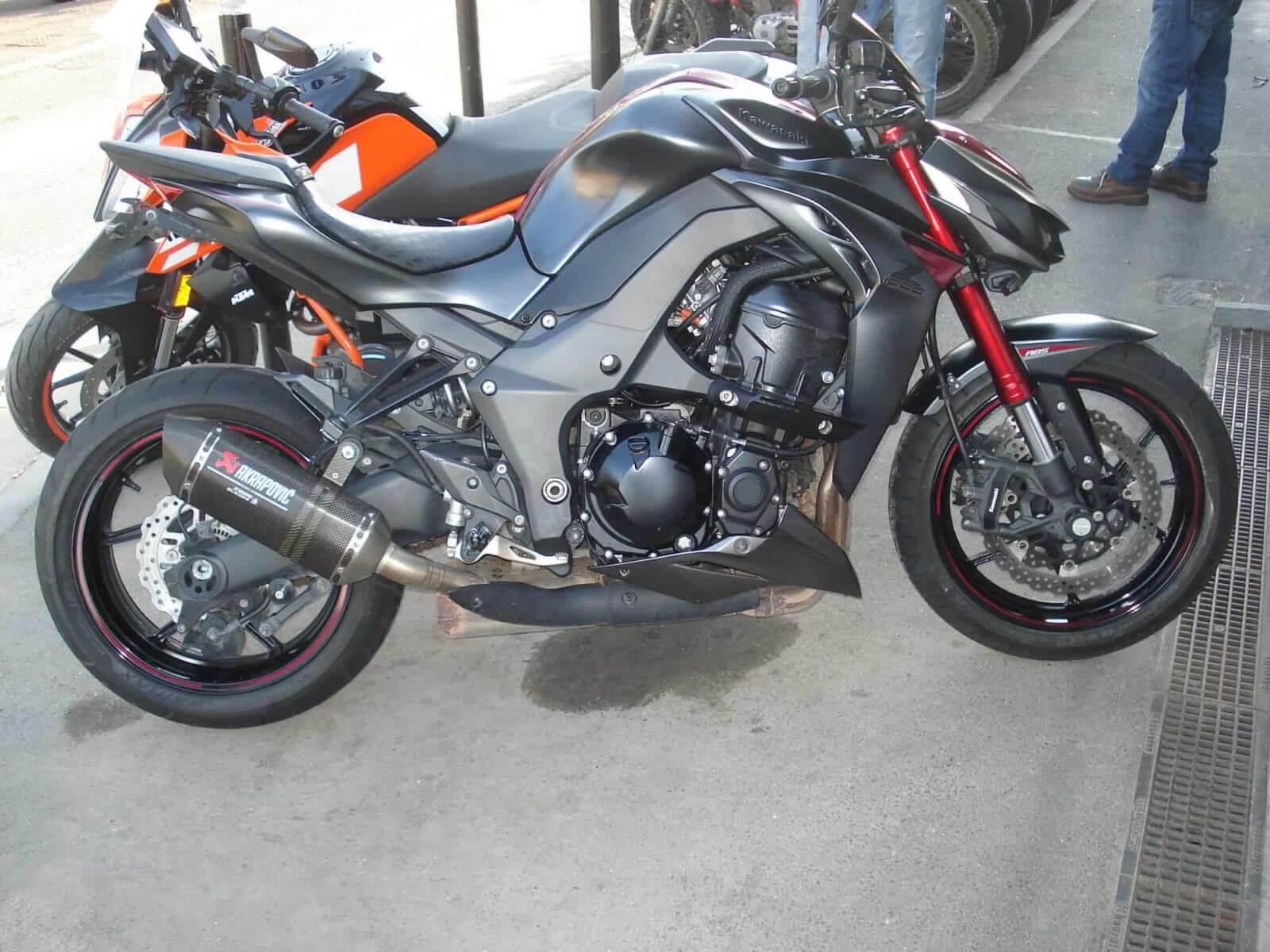 Vendu ! Kawasaki Z1000 – 8700€