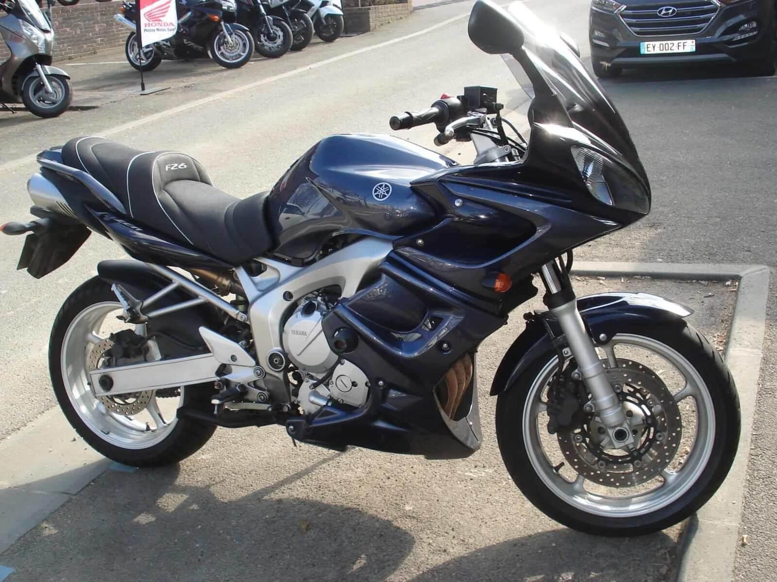 Yamaha FZ6 (78cv) – 3200€