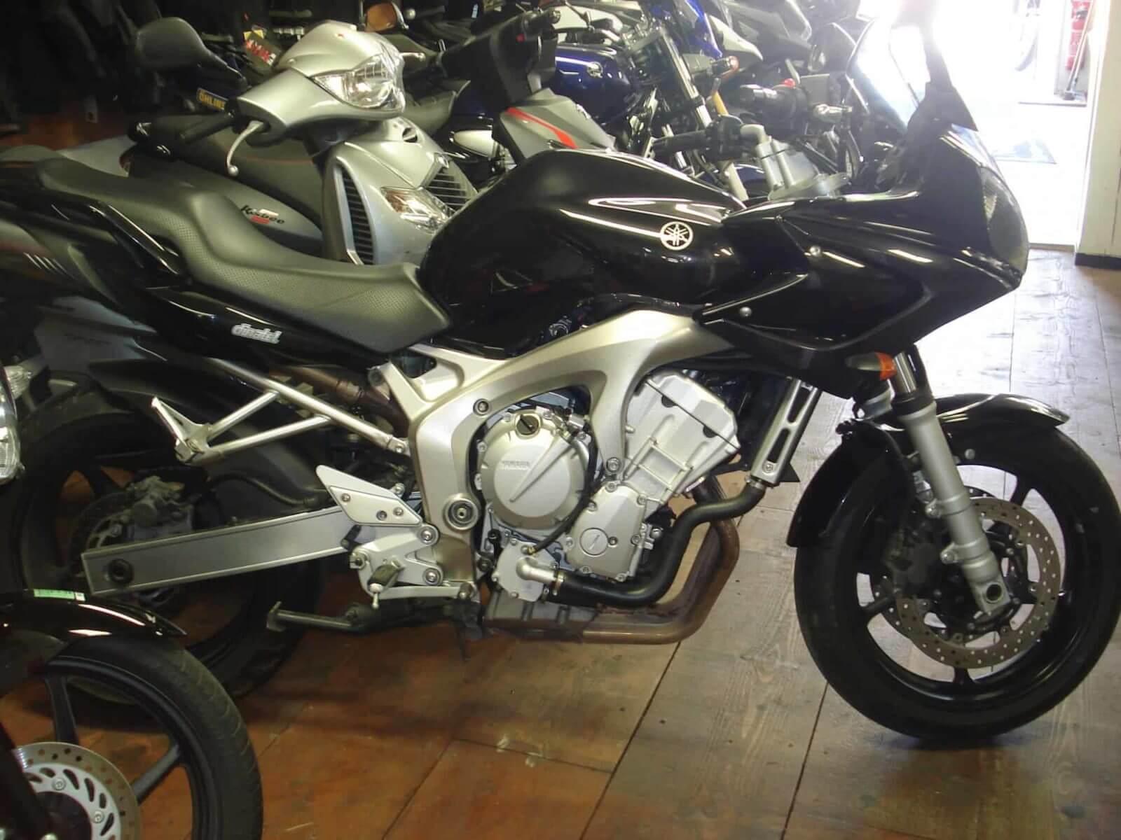 Vendu ! Yamaha FZ6 (98cv) – 3500€