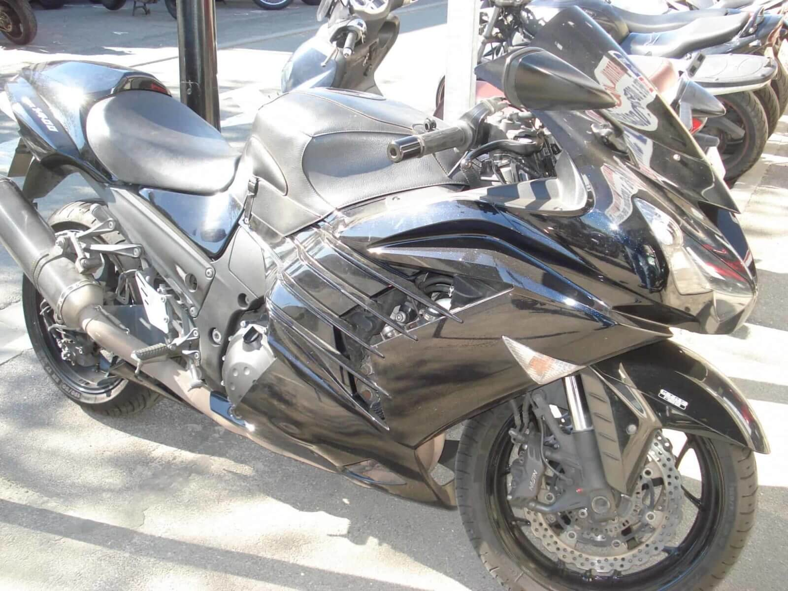 Vendu ! Kawasaki ZZR 1400 – 8500€