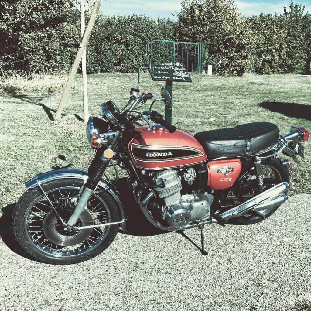 Chambourcy Motos 78 : restauration de motos anciennes dans le respect du modèle d'origine.