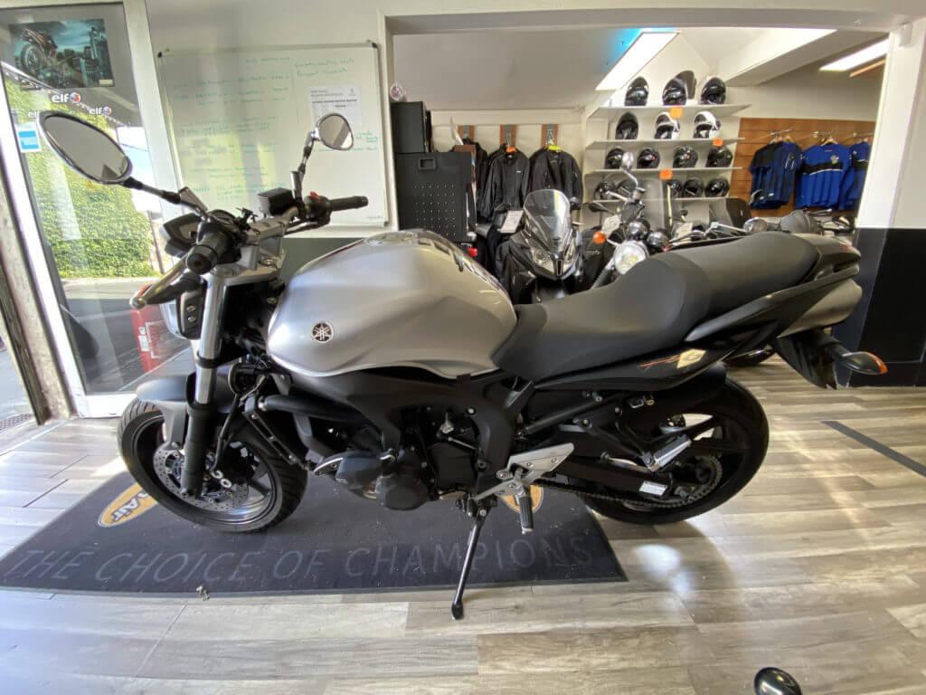 Vendu ! Yamaha FZ6 (98CV) – 2000€