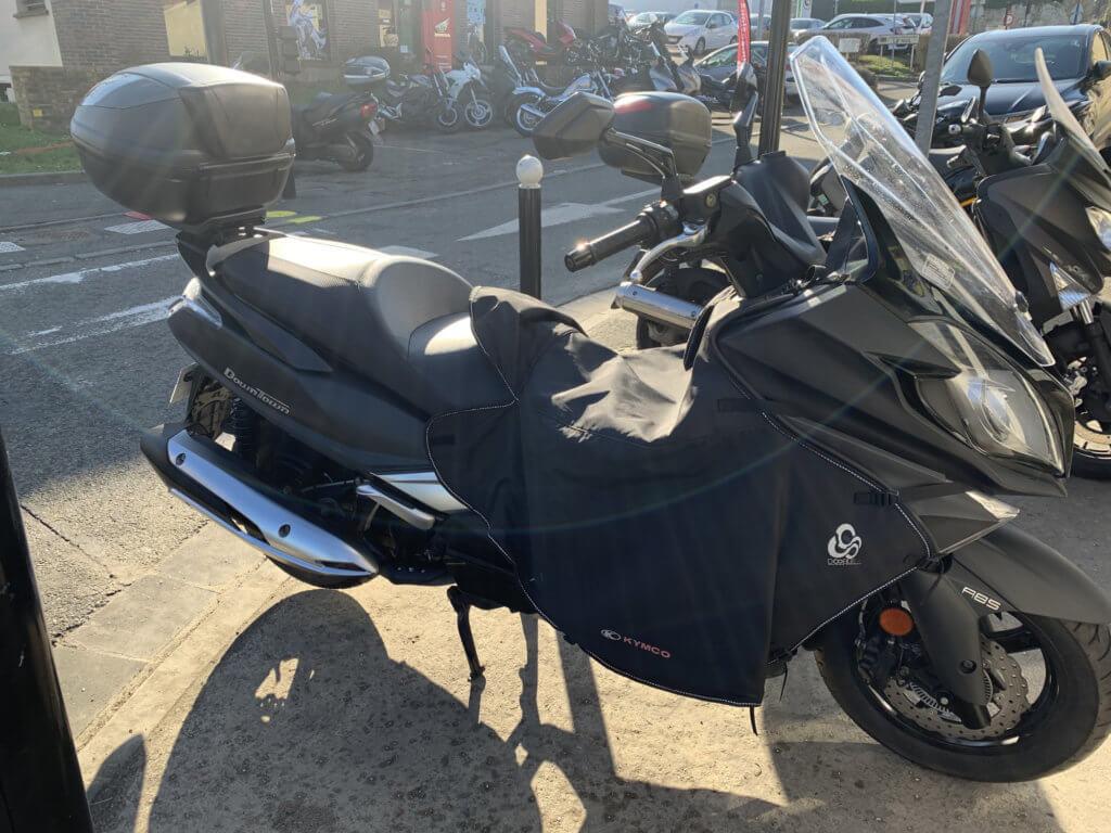 Kymco Downtown 350i d'occasion à vendre chez Chambourcy Motos - Spécialiste Scooster et Motos près de Saint Germain en Laye
