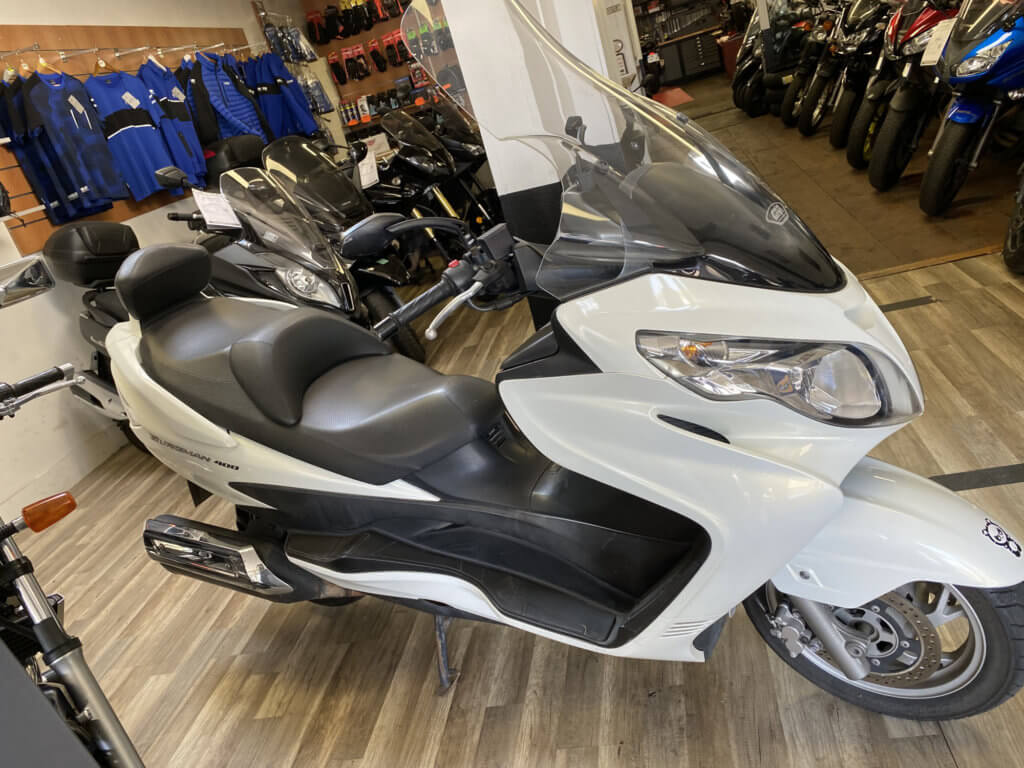 Suzuki Burgman 400 d'occasion en vente chez Chambourcy Motos - Votre garage moto entre Poissy et Saint Germaine en Laye